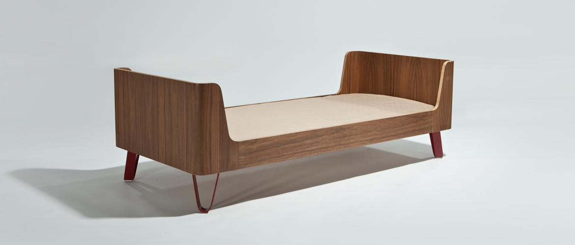 sand-for-kids_sleigh-bed-walnut_1170x500