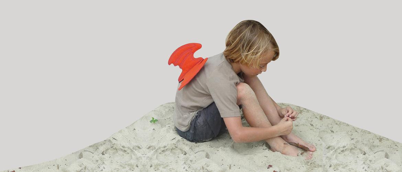 sand-for-kids_dragon-t-shirt-lifestyle_1170x500